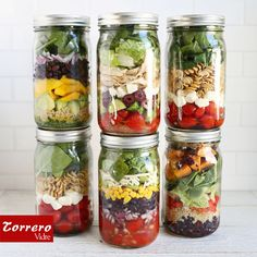 En verano ¡¡¡#ensaladas al poder!!! La última moda: presentarlas en #tarros de vidrio como éstos.