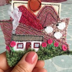 I've spent the best part of a couple of weeks working on exhibition wallhangings and now I need to work on something a little smaller! Freehand Machine Embroidery, Free Motion Embroidery, Free Machine Embroidery, Embroidery Art, Sewing Art, Sewing Crafts, Sewing Projects, Fabric Postcards, Fabric Cards