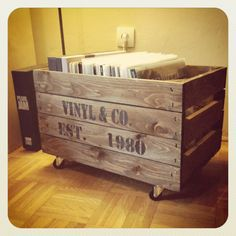 selfmade vinyl-storage: wooden crate on wheels with stenciled sign #DIY