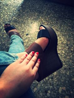 #nails #red #shoes #ninewest