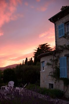 UPCOMING YOGA & ART'S RETREAT IN THE SOUTH OF FRANCE --- June 4th-11th --- with Yoga Healing Nature and Avec Chloe  www.yoga-healing-nature.com ------ South of France Art & Yoga Retreat with Chloe Porter, Veronique Porter and Christian Gentile