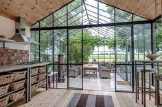 Ideas and inspiration Home Greenhouse, Greenhouse Interiors, Greenhouse Attached To House, Atrium Design, Interior Garden, Glass House, Home Deco, My Dream Home, Exterior Design