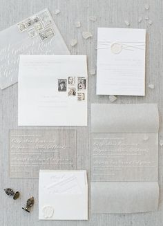 13 a neutral wedding invitation suite with usual paper and acrylic parts with calligraphy - Weddingomania Wedding Stationery Trends, Wedding Stationary, Carton Invitation, Invitation Paper, Acrylic Wedding Invitations, Wedding Invitation Design, Bridal Invitations, Wedding Paper, Wedding Cards