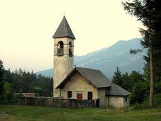Chiesa di Sant'Andrea e San Giovanni Battista Damos di Cadore Belluno Dolomiti Veneto Italia