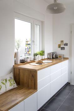 Hausbesuch  Lichtverwöhnte Holzküche   hej.de