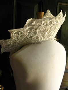 Supportase for a large open ruff custom order with by woodsholme Elizabethan Gown, Historical Clothing, Fabric Covered, Gowns, Lace, Etsy, Beautiful, Fashion, Vestidos