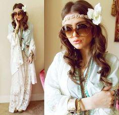 Romwe Mint Blouse, Victorias Secret Lace Robe, Chicwish Lace Maxi, House Of Harlow 1960 Circle Sunglasses, Sproos Rose Headband Moda Hippie Chic, Boho Chic, Estilo Hippie Chic, Hippy Chic, Hippie Look, Modern Hippie, Hippie Gypsy, Hippie Style, My Style