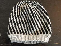 Siri, Knitted Hats, Beanie, Knitting, Fashion, Knit Hats, Tricot, La Mode, Cast On Knitting