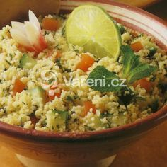Kuskus s cuketou recept - Vareni.cz Couscous, Fried Rice, Guacamole, Potato Salad, Quinoa, Cabbage, Food And Drink, Vegetarian, Pasta