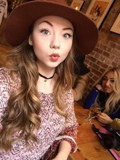 Am I the only one who sees Eva Gutowski in the background!!! If you do comment down below