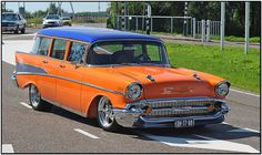 Rock around the clock Starring: Chevrolet Bel Air Townsman (by Ruud Onos)