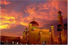artsandletters:    Brunei Mosque  (by Samer M)