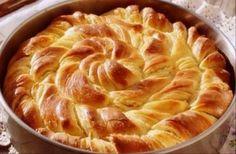Decorative bread, with ricotta. (in Croatian) Serbian Recipes, Greek Recipes, Healthy Snaks, Baking Recipes, Snack Recipes, Greek Sweets, Cheese Pies, Savory Tart, Mediterranean Dishes