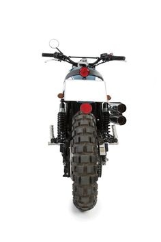 4f1555eb9adc Neptuno 2 modelo triumph bonneville scrambler realizada por Tamarit  Motorcycles. Tamarit hace proyectos para triumph