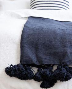 46 ideas for bedroom blue boho blankets Navy Bedding, Boho Bedding, Linen Bedding, Bed Linen, Bedroom Green, Bedroom Bed, Bedroom Apartment, Bedroom Ideas, Bed Ideas