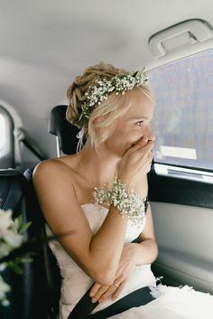 Casual Boho Garden Wedding in Green (The Little Wedding Corner) - wedding photography inspiration - Schmuck Wedding Headband, Diy Wedding Hair, Boho Wedding, Wedding Blog, Bridal Hair, Wedding Ceremony, Wedding Flowers, Wedding Dresses, Wedding Ideas