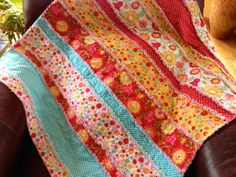 Flannel Rag Quilt: Big, Bright colorful floral pattern for any Little girls Blanket