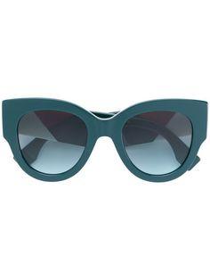 bf5a0e7519b Shop Fendi Eyewear oversized cat eye sunglasses Cat Eye Sunglasses