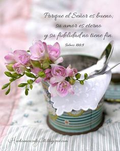 Salmo 100:1-5 Cantad alegres a Dios, habitantes de toda la tierra. Servid a Jehová con alegría; Venid ante su presencia con regocijo. Reconoced que Jehová es Dios; El nos hizo, y no nosotros a nosotros mismos; Pueblo suyo somos, y ovejas de su prado. Entrad por sus puertas con acción de gracias, Por sus atrios con alabanza; Alabadle, bendecid su nombre. Porque Jehová es bueno; para siempre es su misericordia, y su verdad por todas las generaciones.♔