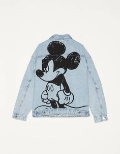 Mickey Mouse x Bershka denim jacket. Discover this and many more items in Bershka with new products every week Painted Denim Jacket, Painted Jeans, Painted Clothes, Denim Jacket Men, Men Shorts, Denim Jackets, Custom Clothes, Diy Clothes, Bershka Collection