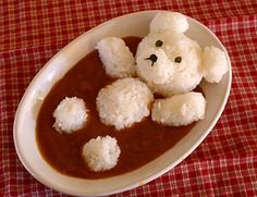 日本人のごはん/お弁当 Japanese meals/Bento. Curry bear - Don't you think this looks like someone murdered Teddy? / NO. It's Bath Time. 日本人は風呂好きなんだよ。