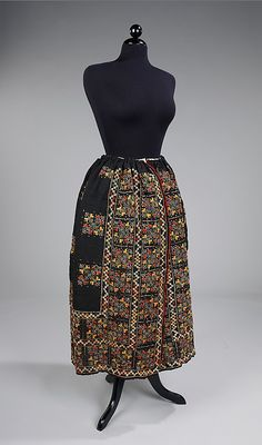 Romanian skirt via The Costume Institute of the Metropolitan Museum of Art Folk Clothing, Historical Clothing, Costume Collection, Ethnic Dress, Folk Fashion, Costume Institute, Folk Costume, Costumes, Textiles