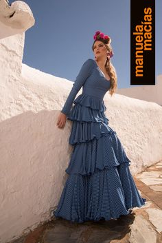 Colección 2018 | Manuela Macías Moda Flamenca Flamenco Costume, Flamenco Dancers, Maxi Outfits, Fashion Outfits, Hippy Fashion, Vintage Street Fashion, Mexican Outfit, Frill Dress, Beautiful Dresses