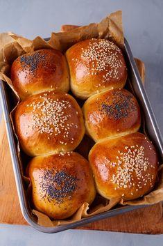 Croissant Bread, Street Food, Food To Make, Hamburger, Bakery, Food Porn, Good Food, Food And Drink, Milk