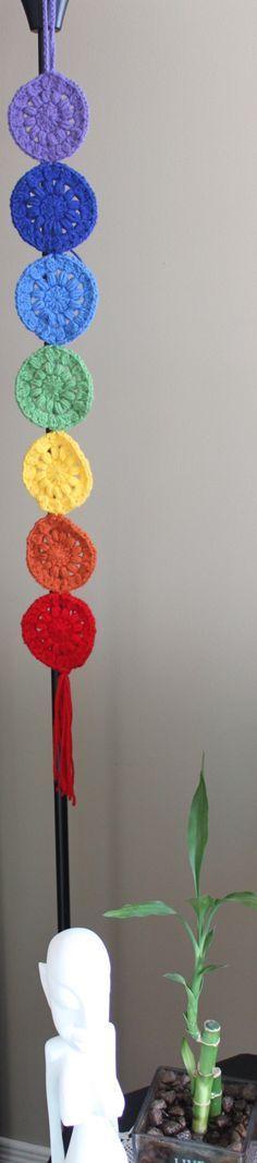 crochet chakras Crochet Cross, Crochet Home, Crochet Motif, Diy Crochet, Crochet Designs, Crochet Stitches, Crochet Patterns, Yarn Crafts, Diy And Crafts