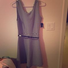 Black and white casual dress Brand new with taggs I couldn't fit it:/ Dresses