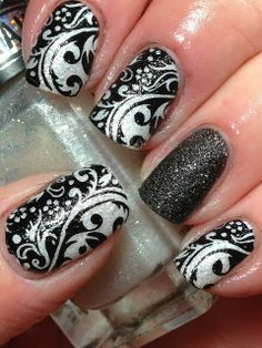 Digit-al Dozen; Day 3, Black n White - Canadian Nail Fanatic