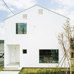 MUJI. mado no ie (The window house).
