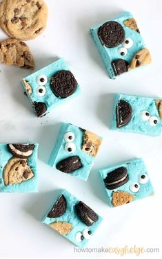 COOKIE MONSTER FUDGE! Delicious, easy, 4-ingredient fudge can be made in the microwave. Sesame Street party food idea. #cookiemonster #sesamestreet #partyfood #funfood #easyfudge #homemadefudge #fudgerecipe #blue #cookies #oreos #microwavefudge