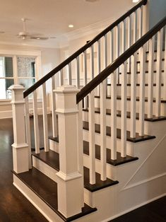 craftsman-staircase-transitional-staircase.jpg (550×734)