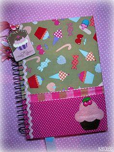 Karoles: caderno. Altered notebook.  Notebook. Cuaderno decorado. Libro alterado. Book.