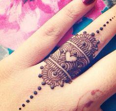 Love this finger henna ring