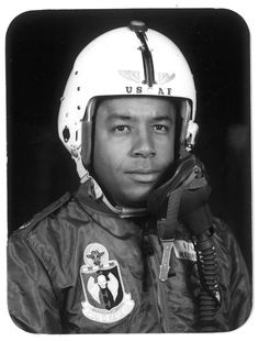 A standout pilot flying for the Air Force, William R. Norwood was hired in 1965 as the first African-American pilot at United Airlines, where he soared in an award-winning career. Us Bombers, Military Jets, Military Brat, Strategic Air Command, Chicago Museums, Boeing 727, Southern Illinois, United Airlines, White Girls