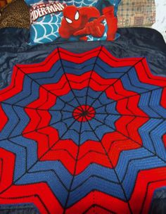 Spiderman crochet afghan http://stitchnfrog.blogspot.com/2009/07/superhero-dream-catcher-afghan.html