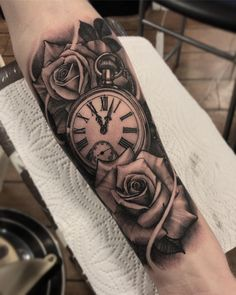 ⭐️ - # Geometrisches Tattoo # Geometrische Tattoos # Tattooshigh-A . Clock Tattoo Sleeve, Clock And Rose Tattoo, Tattoo Sleeve Designs, Tattoo Designs Men, Clock Tattoos, Tatoo Rose, Grey Tattoo, Lion And Rose Tattoo, Forarm Tattoos