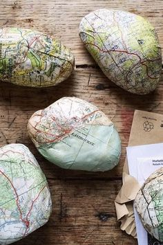 Maps decoupage river rocks