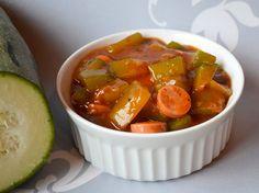 Zucchinigulasch mit veganen Würstchen - Rezept