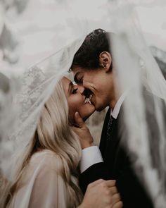 Fotografía de boda - Boho Hochzeit, moderne Hochzeit im bohemian Stil - Wedding Goals, Wedding Groom, Wedding Pictures, Dream Wedding, Wedding Day, Marriage Pictures, Romantic Wedding Photos, Boho Wedding, Wedding Tuxedos