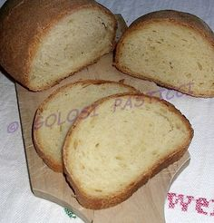 Il mio pane fatto in casa, da quando seguo la bravissima Sara Papa, è migliorato molto. Anche se non utilizzo il lievito madre, come consiglia sempre lei,