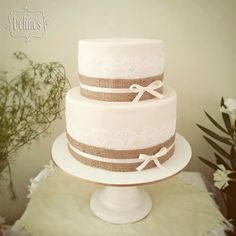 Torta para bautismo rustico chic Cheap Wedding Cakes, Black Wedding Cakes, Wedding Cake Rustic, Rustic Cake, Ideas Bautismo, Baptism Food, First Communion Cakes, Cupcake Stand Wedding, Baptism Centerpieces