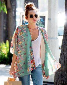 casacos tipo kimonos - Miley Cyrus