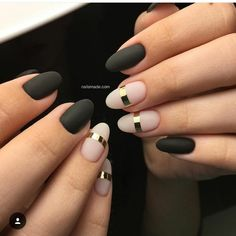 7 Best Matte Nail Polish Ideas - Matte Nails Ideas to Try Black Gold Nails, Pink Nails, Matte Black, Nail Black, Easy Nails, Simple Nails, Beautiful Nail Art, Gorgeous Nails, Gold Manicure