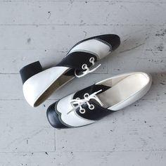 1960s shoes / mod 60s shoes / Wingtip Saddle shoes by DearGolden, $58.00