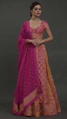 Bandhani Dress, Lehnga Dress, Sari Blouse Designs, Lehenga Designs, Designer Party Wear Dresses, Indian Designer Outfits, Indian Wedding Outfits, Indian Outfits, Wedding Dresses
