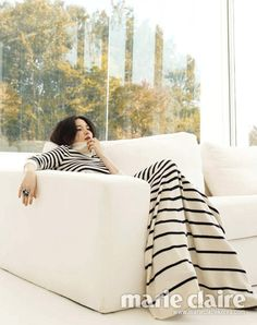 Marie Claire finally released Lee Young Ae's complete I Am Love pictorial on its website, but we're posting the ones we haven't shared here before. Lee Bo Young, Bridal Mask, Joo Won, Yoo Ah In, Moon Chae Won, Music Wallpaper, Lee Jong, Wardrobe Basics, Stylish Dresses