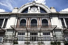Estación del Norte, #Madrid | 2. El vestíbulo, actualmente cerrado, sirvió sobre todo para salvar el desnivel de la cuesta de San Vicente y facilitar el acceso de los viajeros a la plataforma del Paseo de la Florida, que era donde se ubicaban las vías y el tránsito de viajeros era mayor. | Foto: Carlos Rosillo